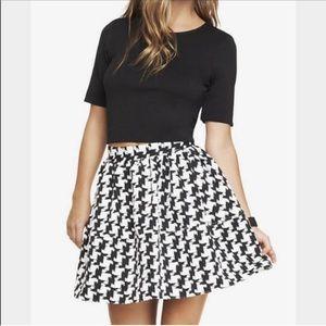Express Black White Houndstooth Mini Skirt Size 10